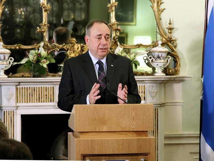 """Alex Salmond declaró que seguirá en la política como diputado de Aberdeenshire East y precisó que """"hay muchas cosas que se pueden hacer"""" al margen de los cargos. Foto: EFE en español"""