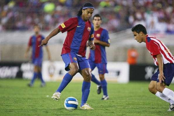 El último duelo entre Ronaldinho y Chivas fue en agosto de 2006. Foto: Getty Images