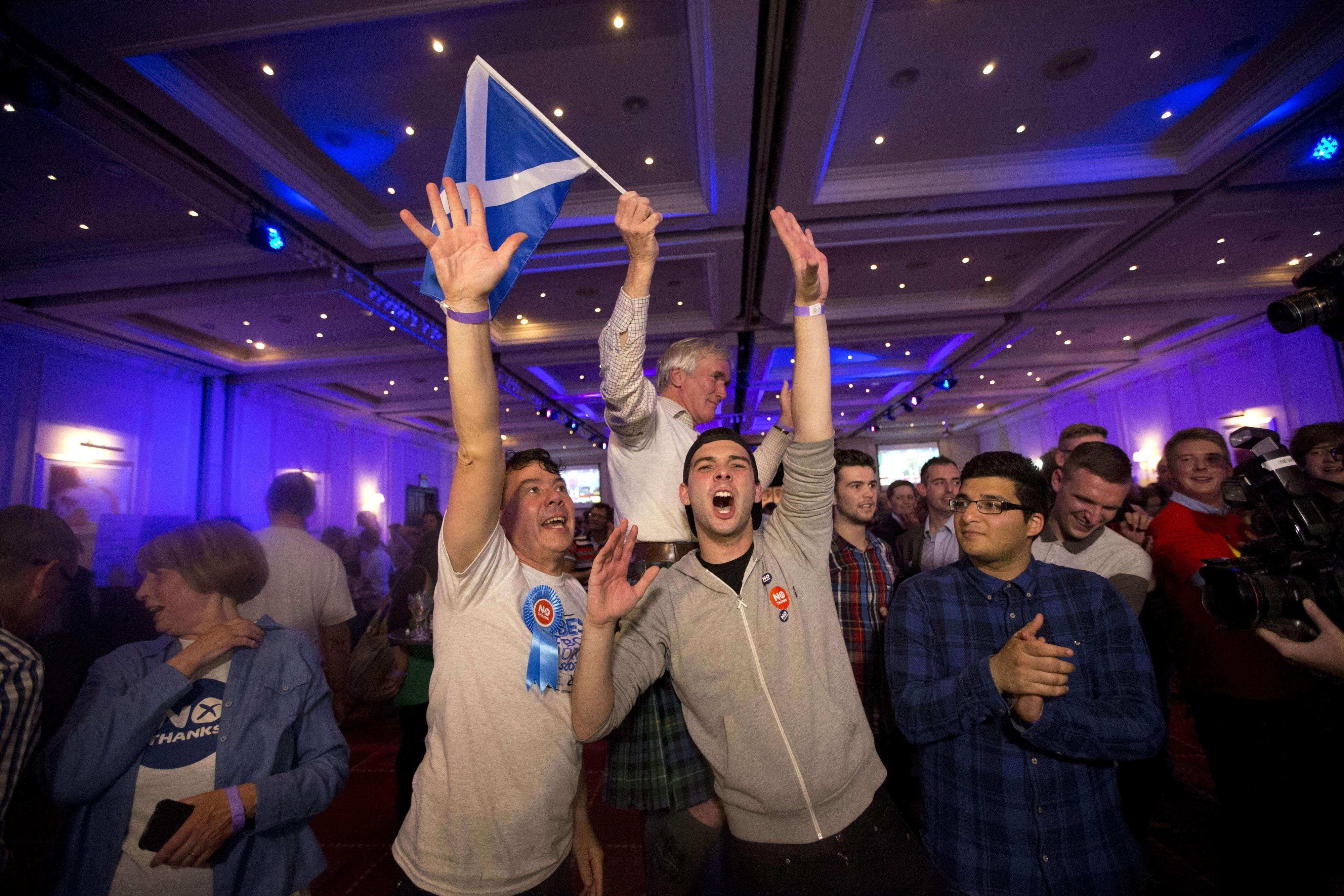 Os que votaram contra a independência comemoraram em um hotel em Glasgow Foto: Matt Duhnam/AP