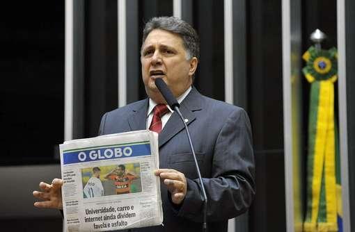 """O ex-governador do Rio, Antony Garotinho, em discurso contra o jornal """"O Globo"""" na tribuna da Câmara dos Deputados (Foto: Agência Câmara) Foto: Foto: Agência Câmara"""