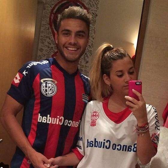 Héctor Villalba y su novia May Mohamed. San Lorenzo y Huracán, unidos Foto: @turquitamohamed