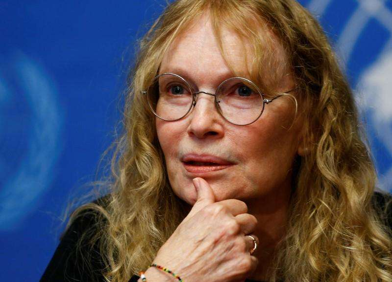 U.S. actress Mia Farrow speaks during a news conference in Geneva in this November 14, 2013 file photo. Foto: Denis Balibouse/Reuters