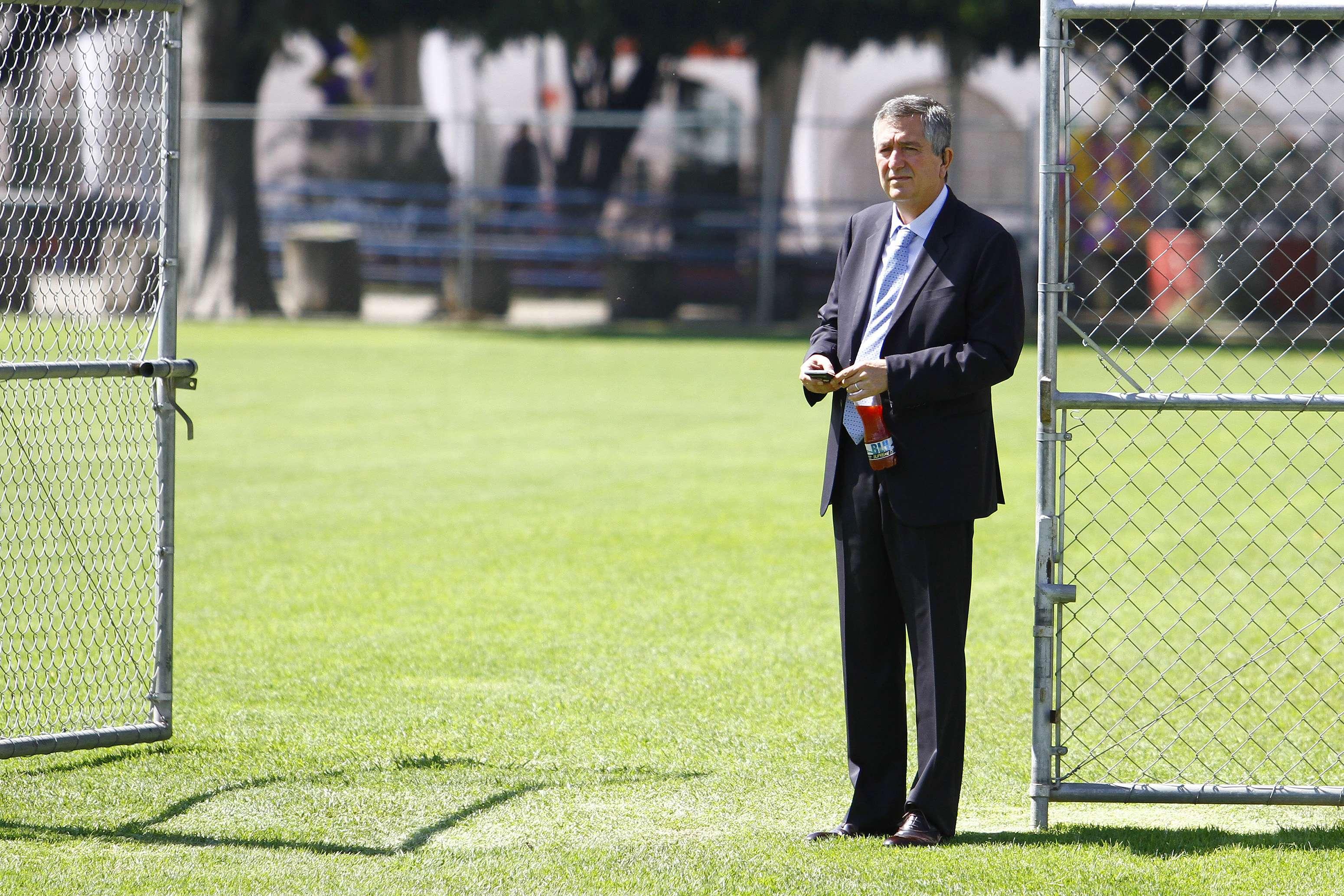 Jorge Vergara ha estado muy de cerca siguiendo a Chivas en el Apertura 2014. Foto: Imago7