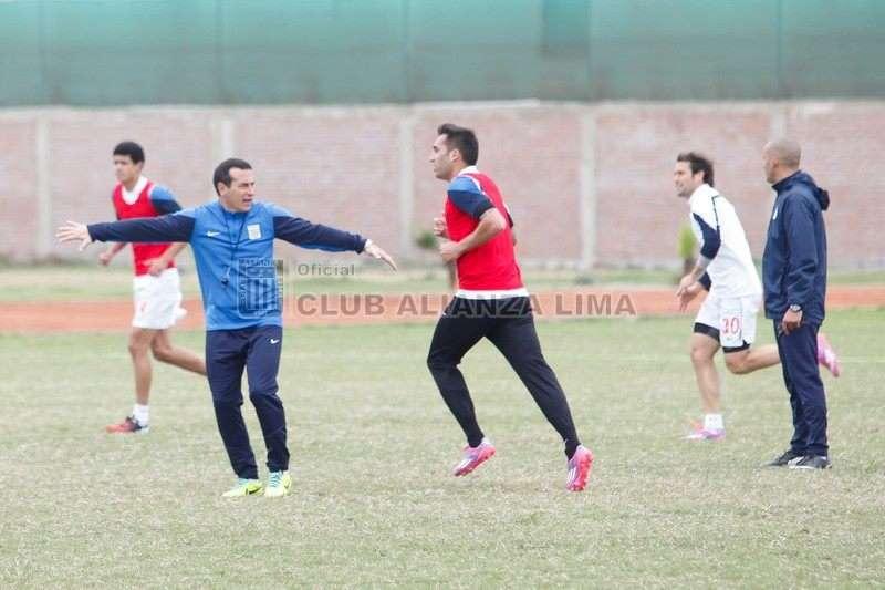Ailianza trabajó hoy en el club Cultural Lima pensando en duelo ante la USMP. Foto: Facebook Alianza Lima.