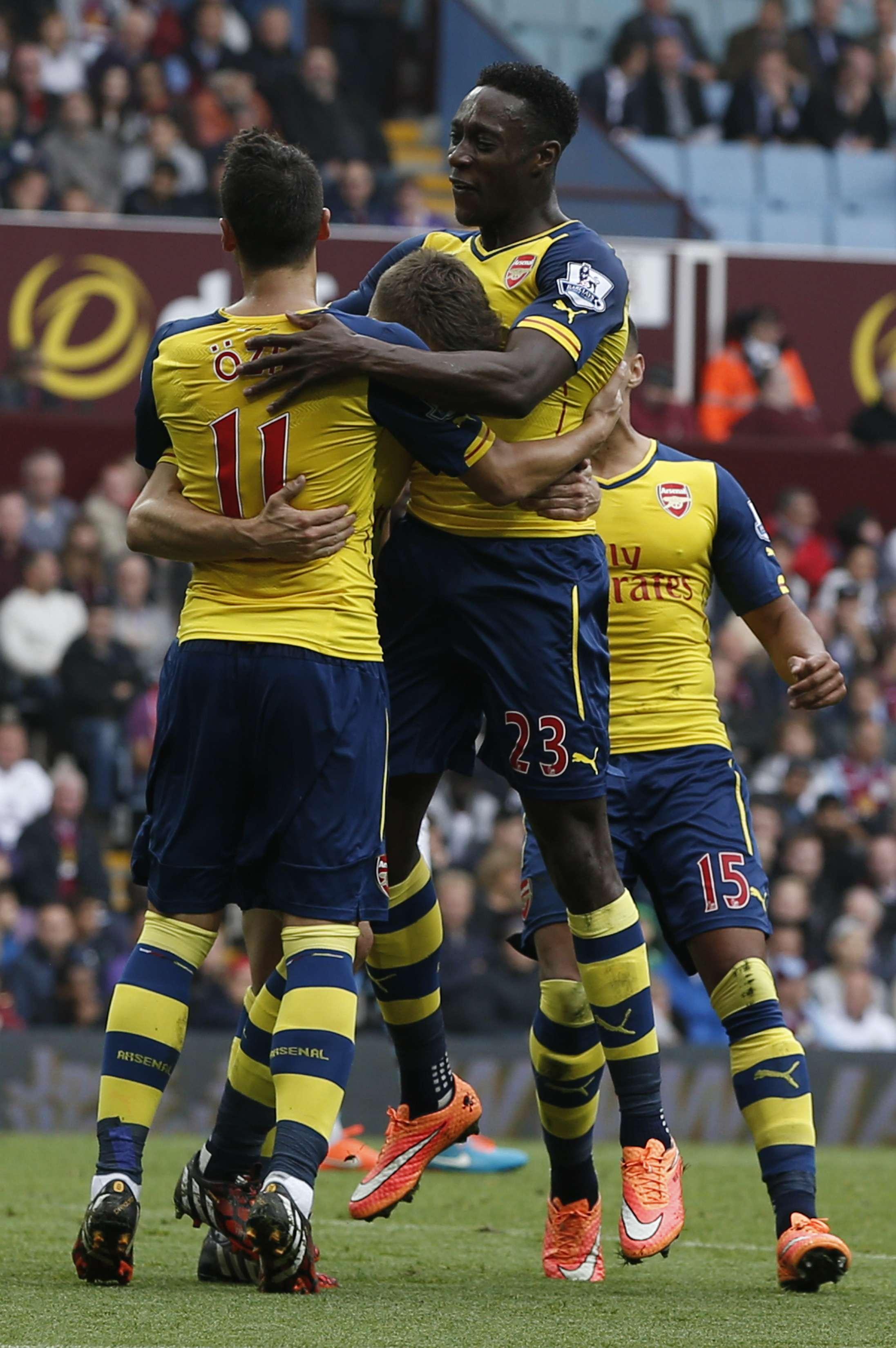 Jugadores del Arsenal celebran la victoria. Foto: AFP