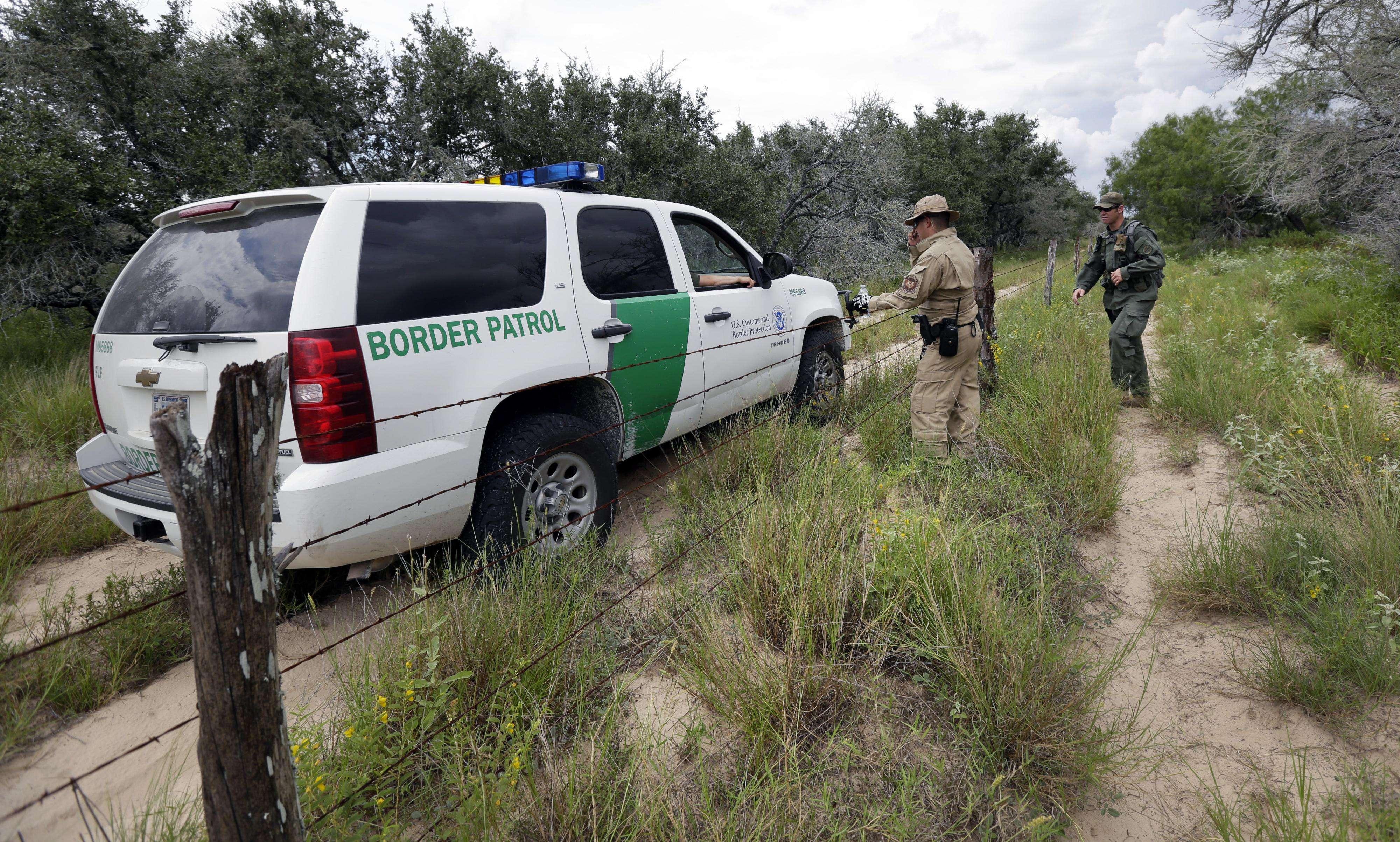 Una patrulla fronteriza realiza un recorrido cerca de McAllen, Texas, en foto de archivo del 5 de septiembre de 2014. Foto: AP en español