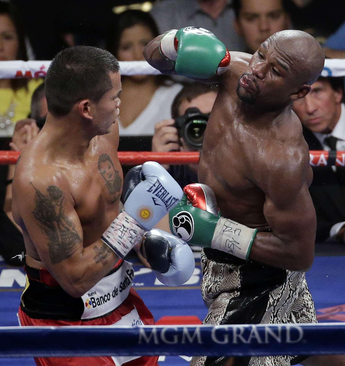 Otra vez Floyd Mayweather deja grandes cantidades de dinero por sus combates. Foto: AP
