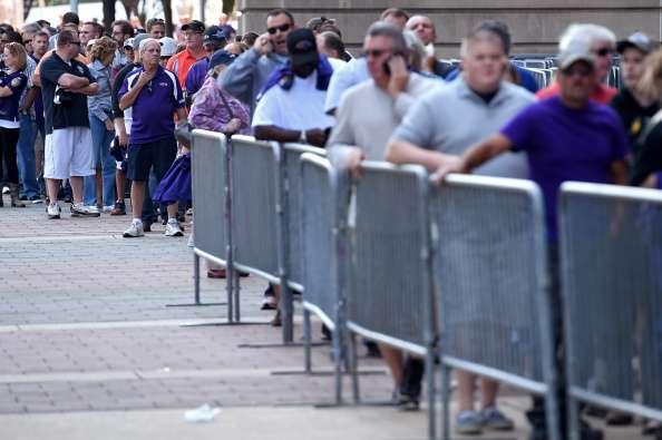 La fila parecía interminable a las afueras del inmueble. Foto: Getty Images