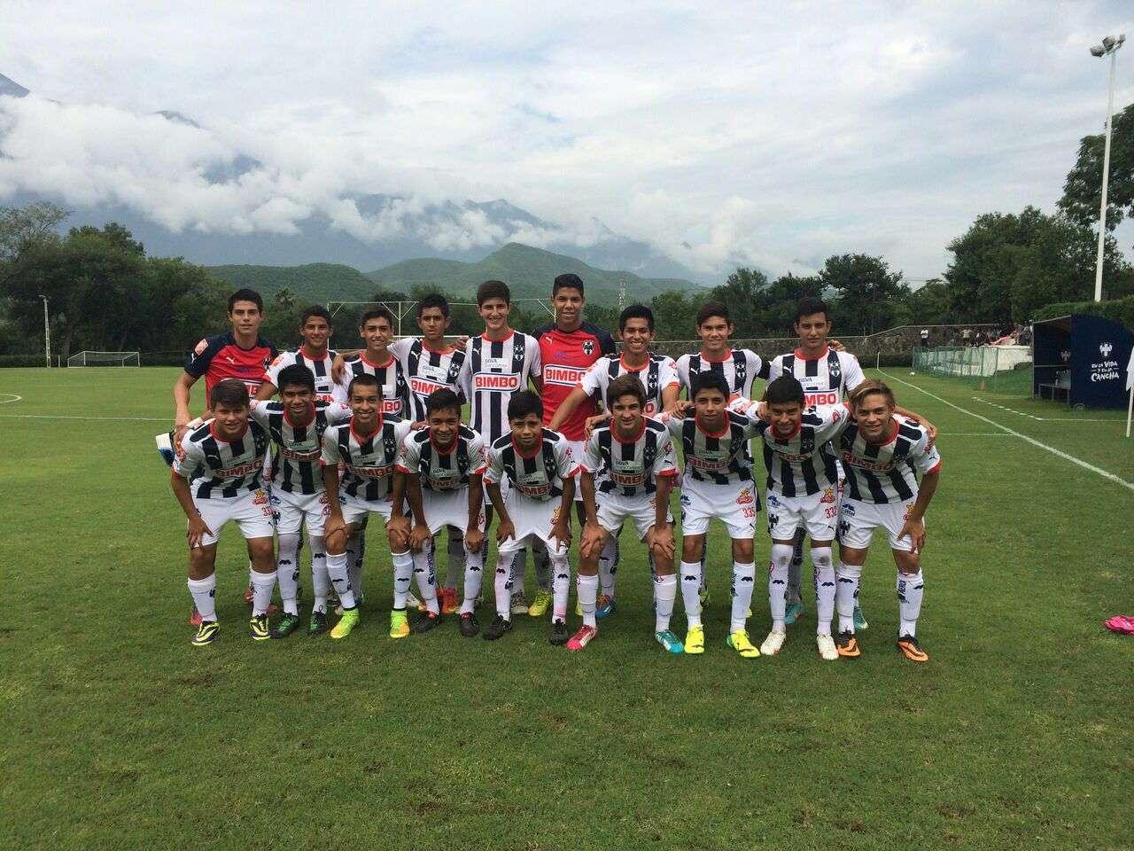 El Equipo de los Rayados de Tercera División que venció a Matehuala en El Cerrito. Foto: Rayados