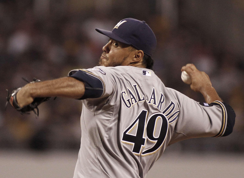 Yovani Gallardo lanzó de gran forma, pero no tuvo respaldo de su equipo. Foto: Getty Images