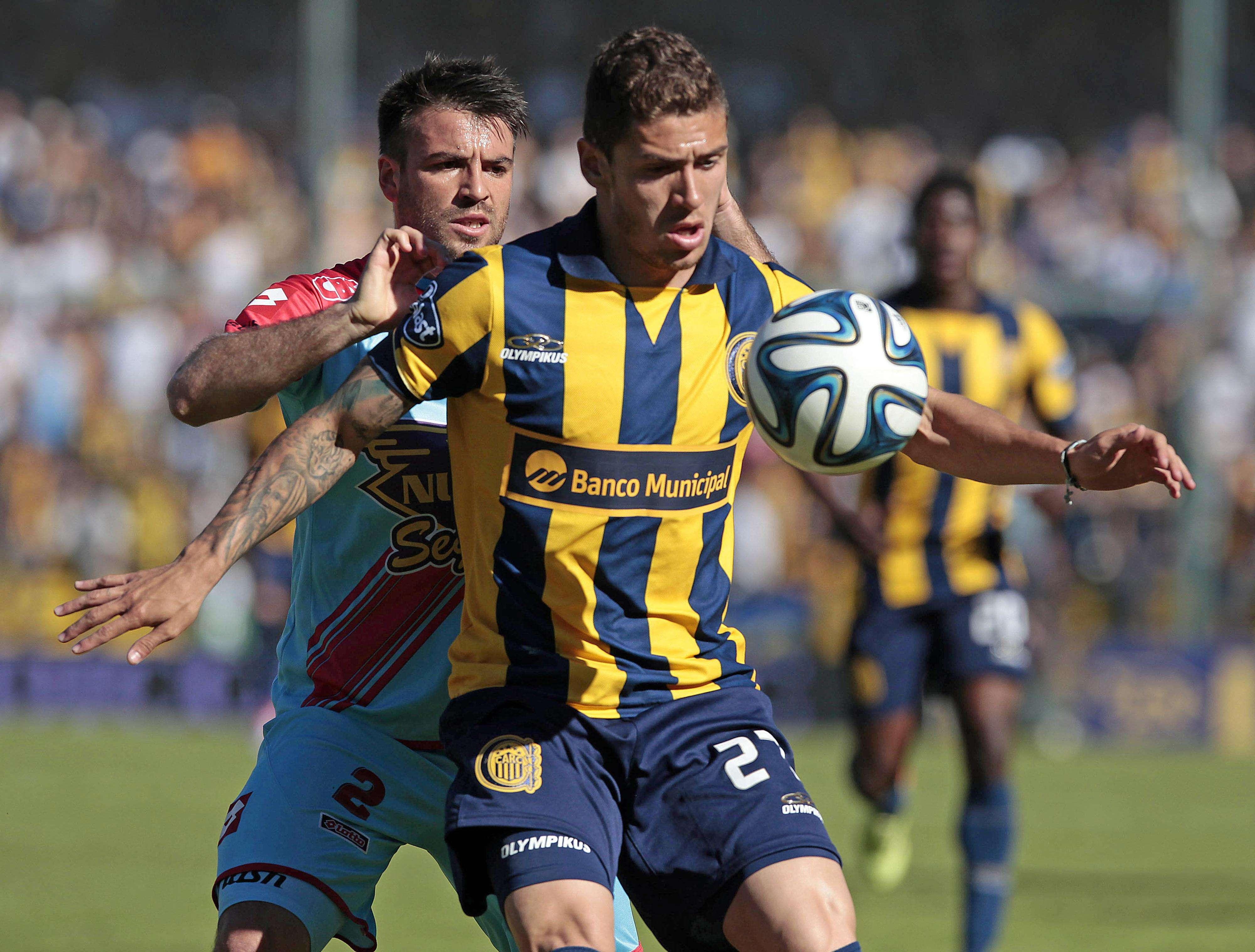 Rosario Central dejó atrás la eliminación en la Copa Sudamericana ante Boca y dos partidos sin victorias en el Torneo de Transición, para vencer por 3 a 1 a Arsenal en la octava fecha tras empezar en desventaja. Foto: Agencias