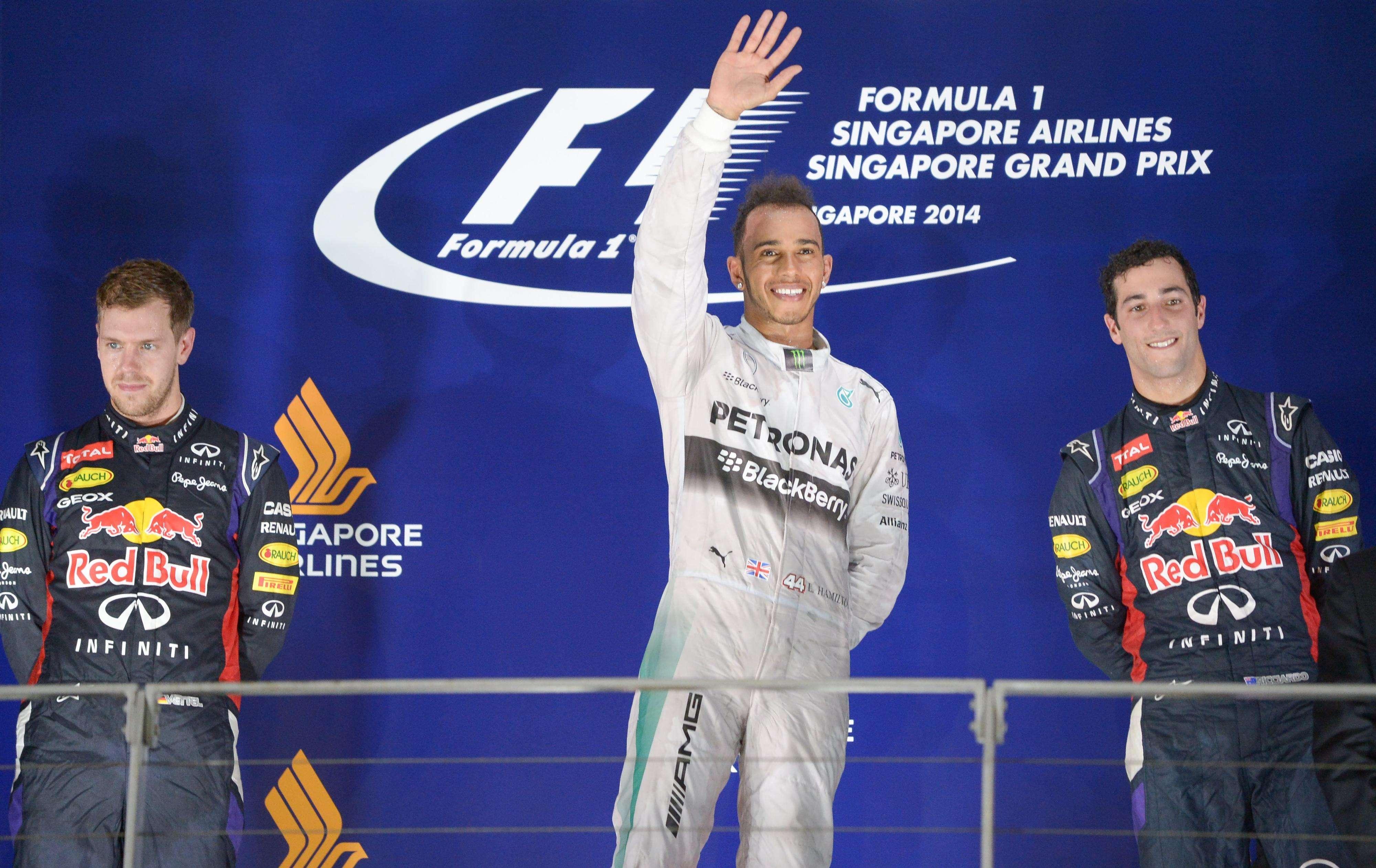 Hamilton agradece torcida depois de vencer GP na Ásia Foto: Mohd Rasfan/AFP