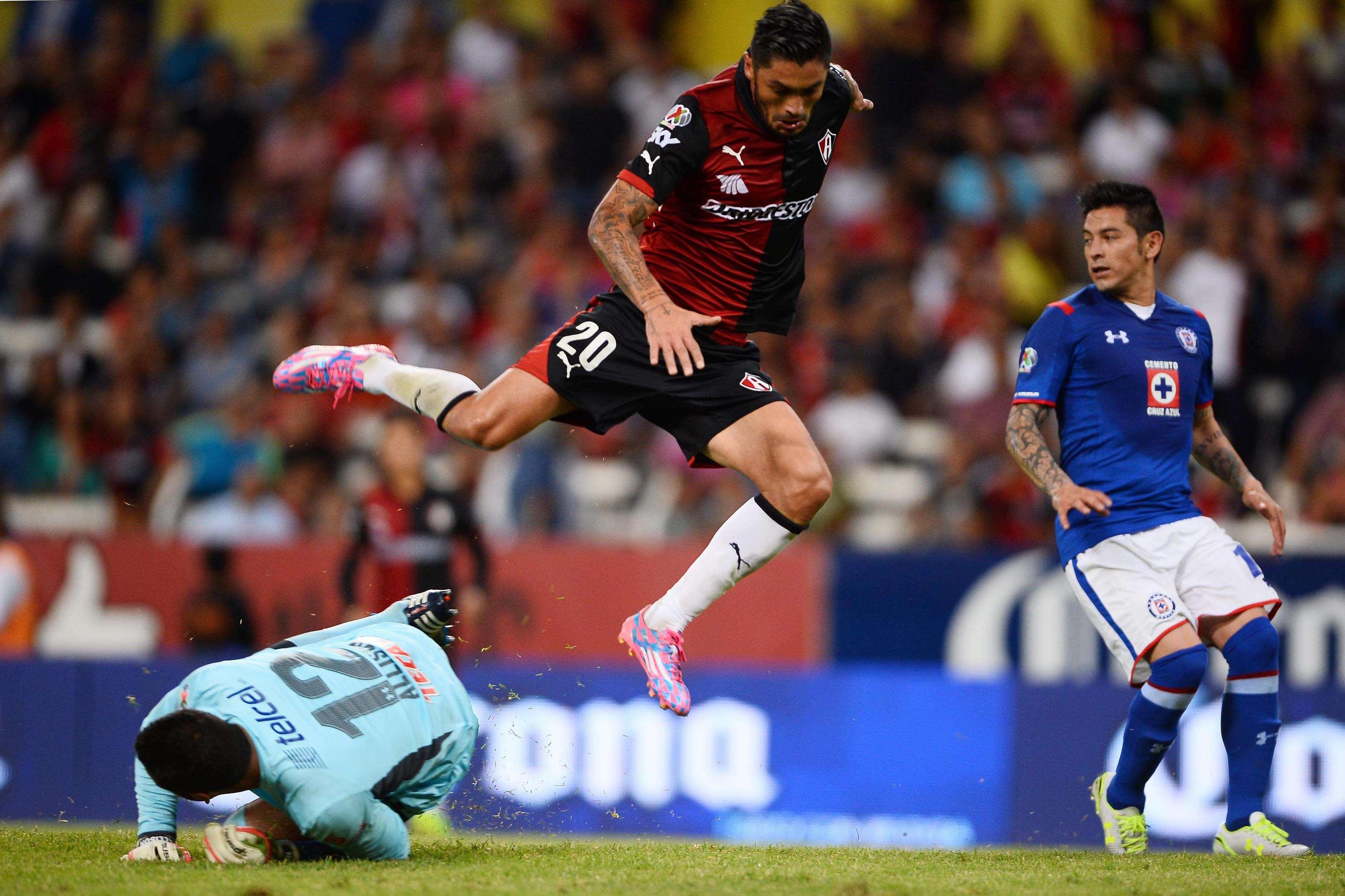 Con goles de Poncho González y Rodrigo Millar, Atlas derrotó 2-1 a Cruz Azul y regresó a la senda del triunfo en duelo celebrado en el estadio Jalisco, correspondiente a la jornada 9 del torneo Apertura 2014. Foto: Mexsport
