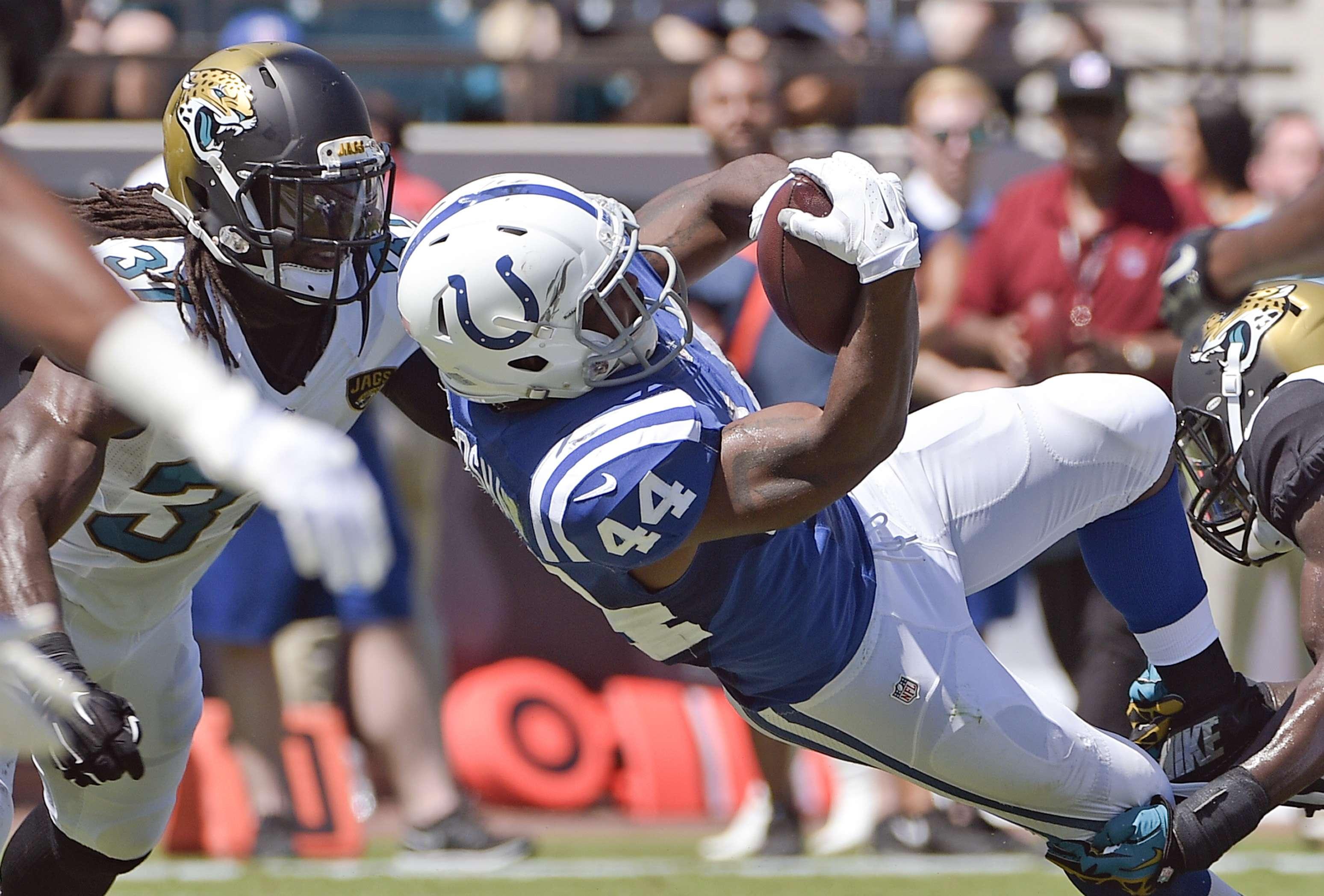 Los Indianapolis Colts no tuvieron problemas para conseguir su primera victoria de la temporada en casa de los Jacksonville Jaguars Foto: AP