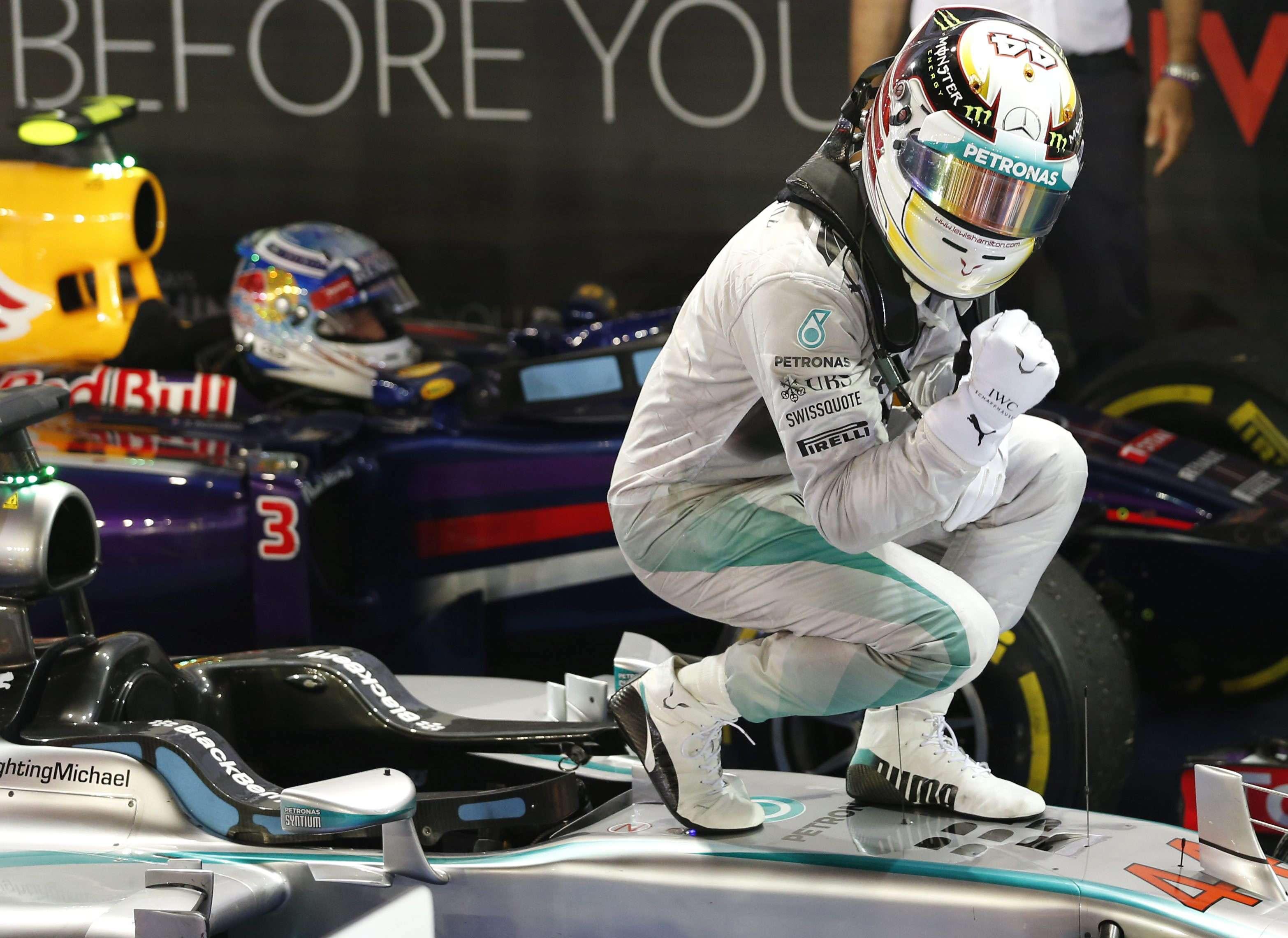 Hamilton celebra su victoria en el GP de Singapur. Foto: EFE