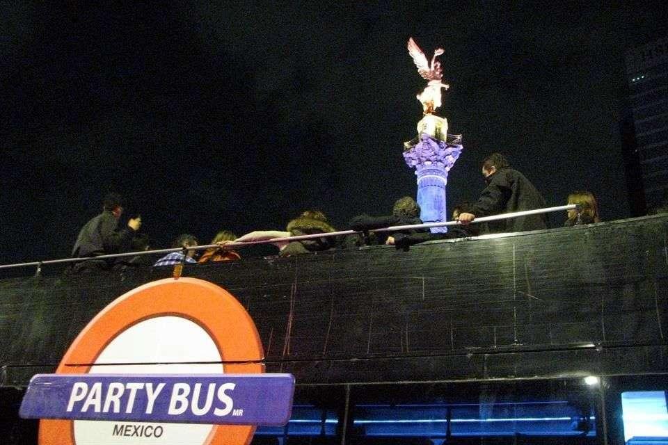 La fiesta de un Party Bus acabó en el Juzgado Cívico la noche del sábado... al menos para 10 usuarios. Foto: Reforma