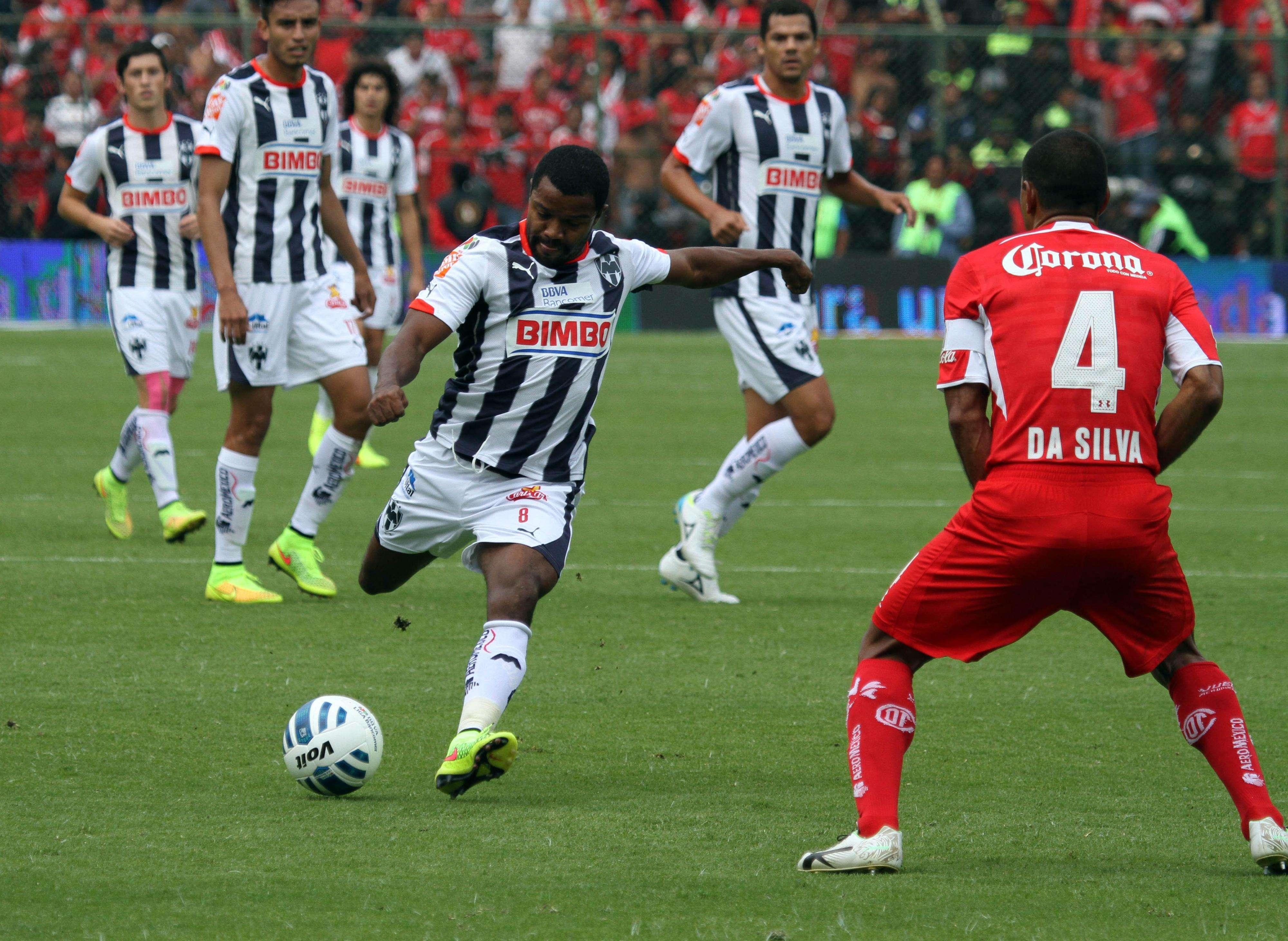 El cuadro Rayado en su partido ante los Diablos Rojos del Toluca. Foto: David Tamez/Rayados.com