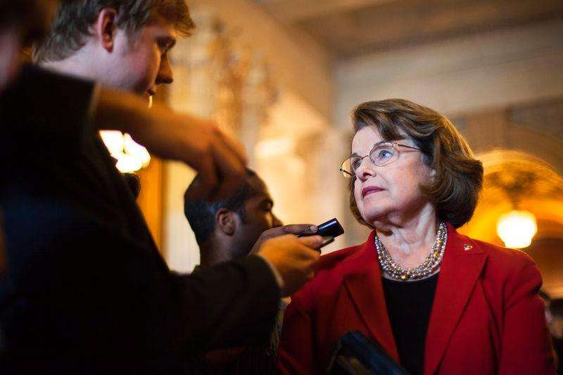 U.S. Senator Dianne Feinstein (D-CA) talks to reporters at the U.S. Capitol in Washington September 9, 2014. Foto: Jonathan Ernst/Reuters