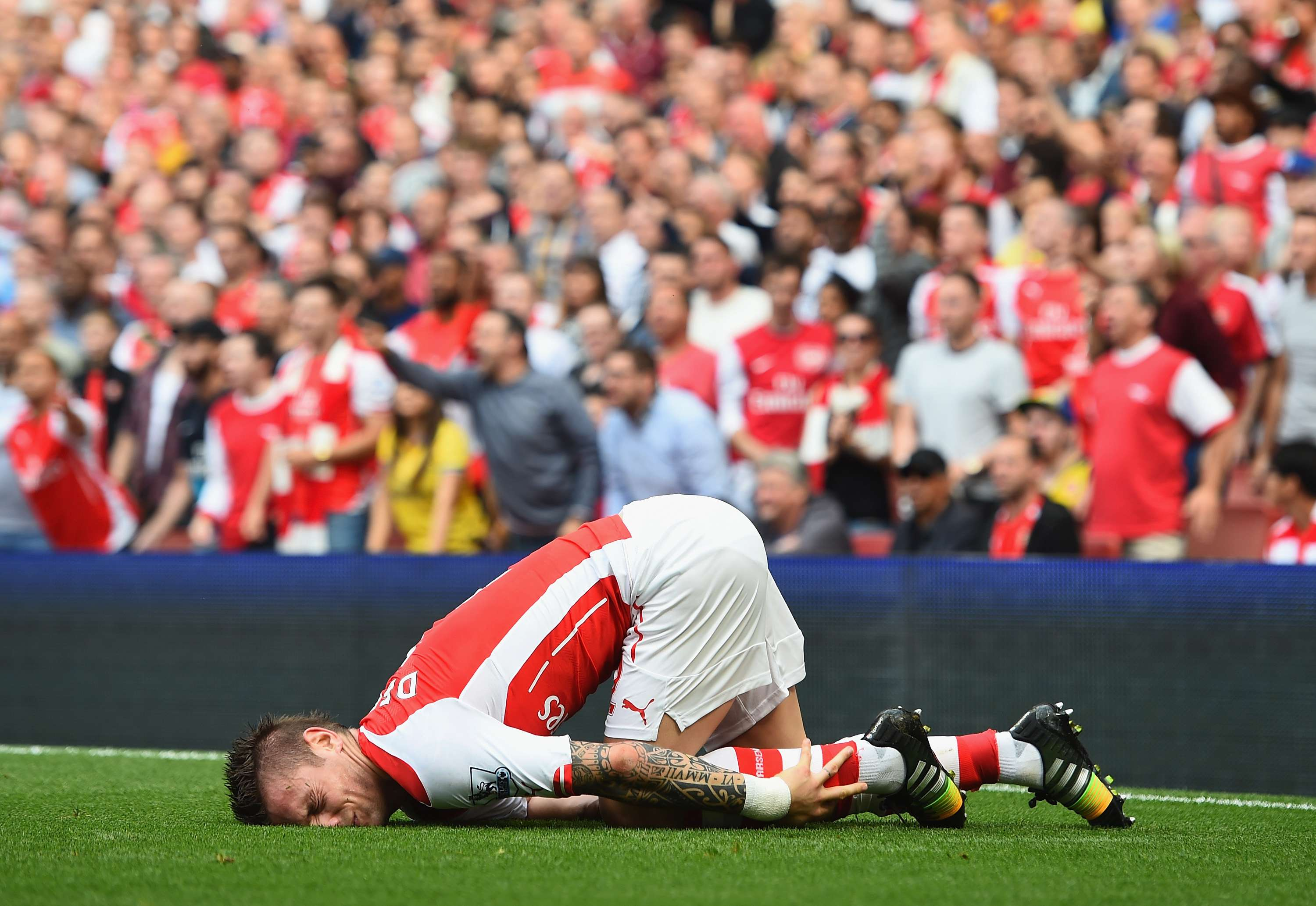 Debuchy se lesionó frente al Manchester City. Foto: Getty Images