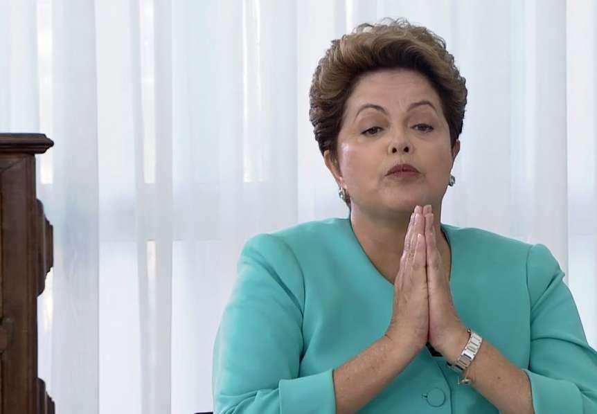 Dilma rebate jornalistas ao ser interrompida em sabatina da Globo Foto: Reprodução
