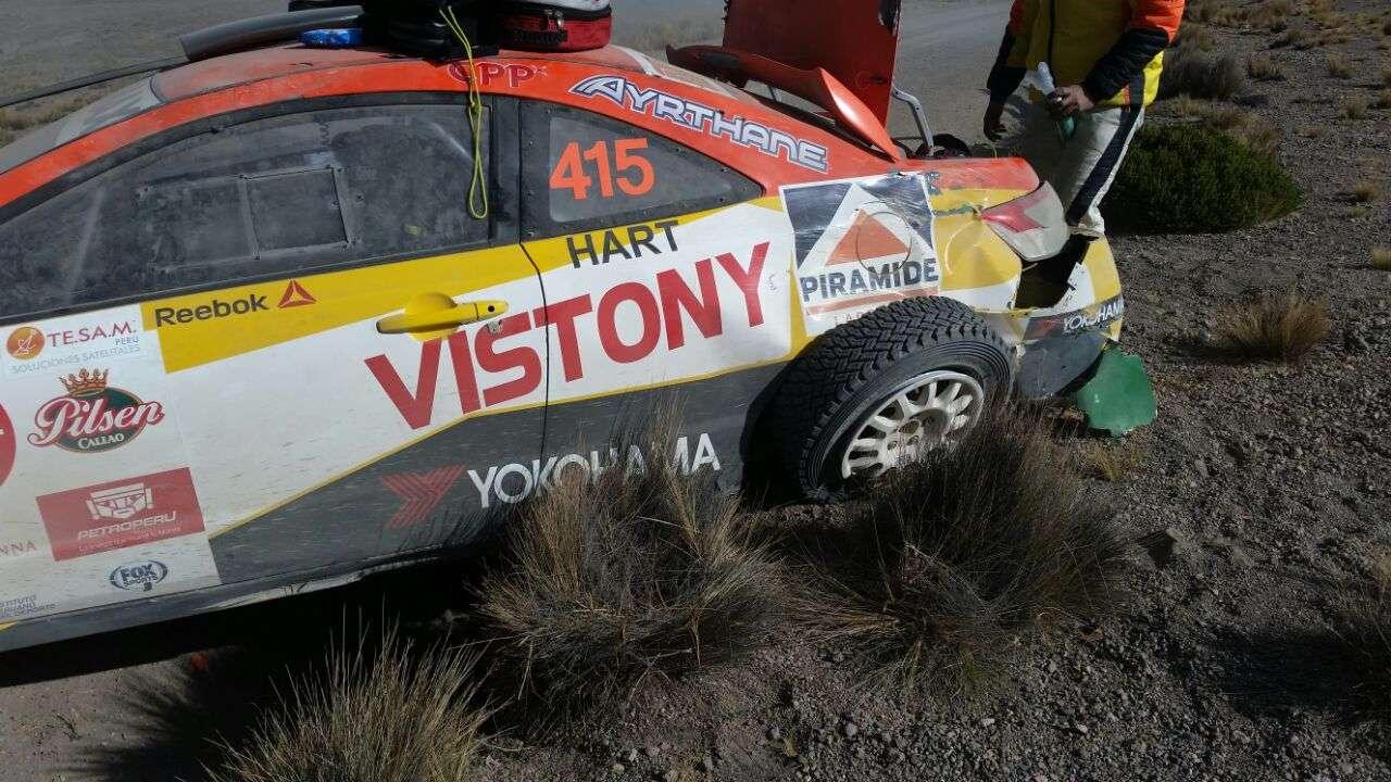Así quedó el auto de Mario Hart en los Caminos del Inca 2014 Foto: Grupo Firbas