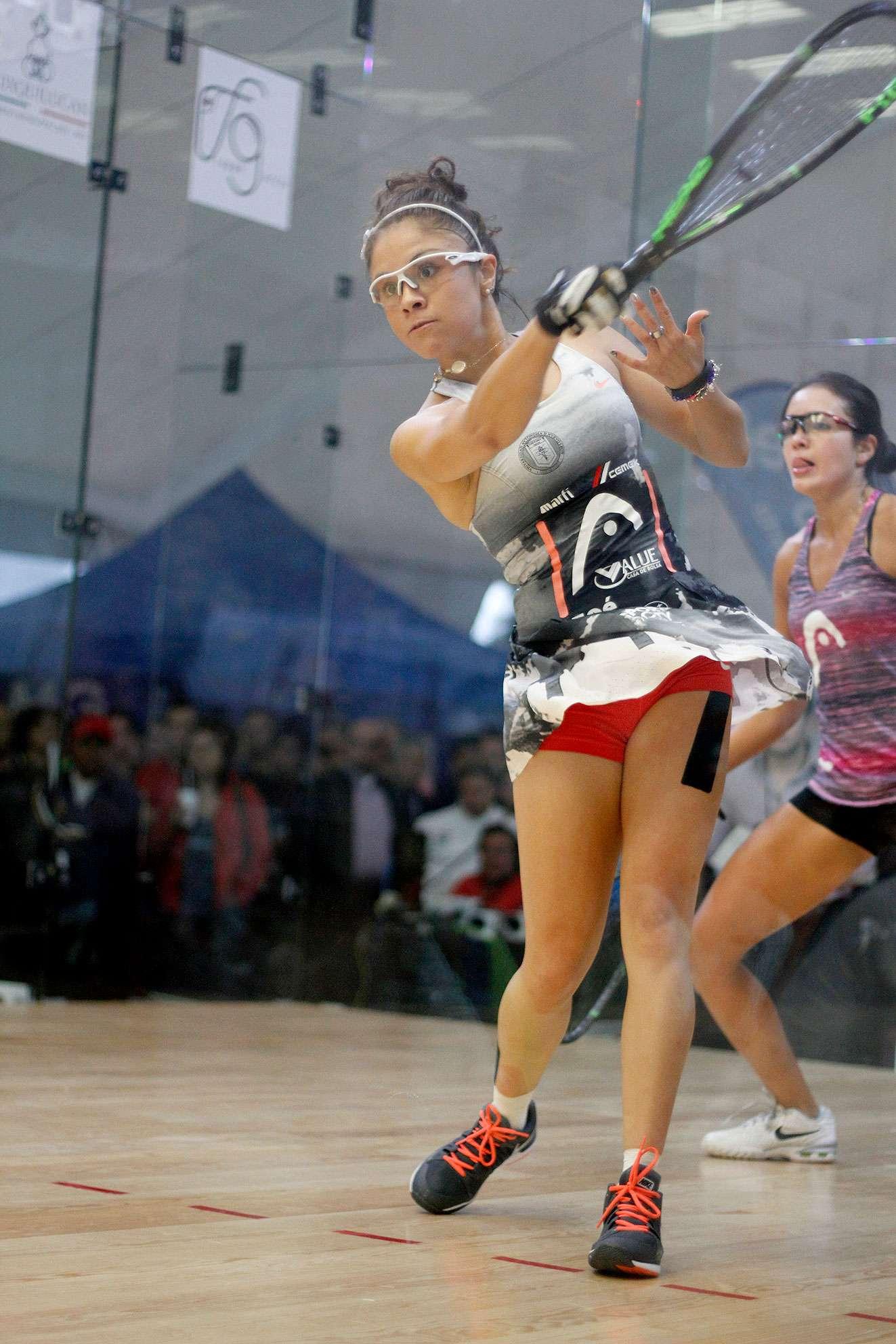 La mexicana Paola Longoria ganó el Abierto Mexicano de Raquetas 2014 al derrotar en cuatro sets a la argentina María José Vargas con parciales de 11-8, 2-11, 11-3 y 11-7, para llegar a su título 36 consecutivo y 52 de por vida, con seguidilla de 145 partidos ganados en la Ladies Professional Racquetball Tour (LPRT). Foto: http://www.abiertomexicanoderaquetas.com/
