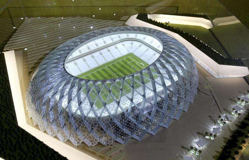 Qatar presents a model of its Al-Wakrah stadium as it bids to host the FIFA 2022 World Cup during the FIFA Inspection Tour for the country's bid, in Doha September 16, 2010.. Foto: Reuters