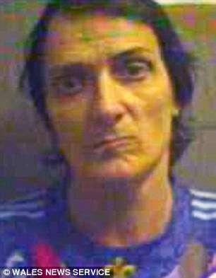 Batley foi condenado em 2011 por manter relações sexuais com crianças durante anos em sua casa Foto: Daily Mail/Reprodução