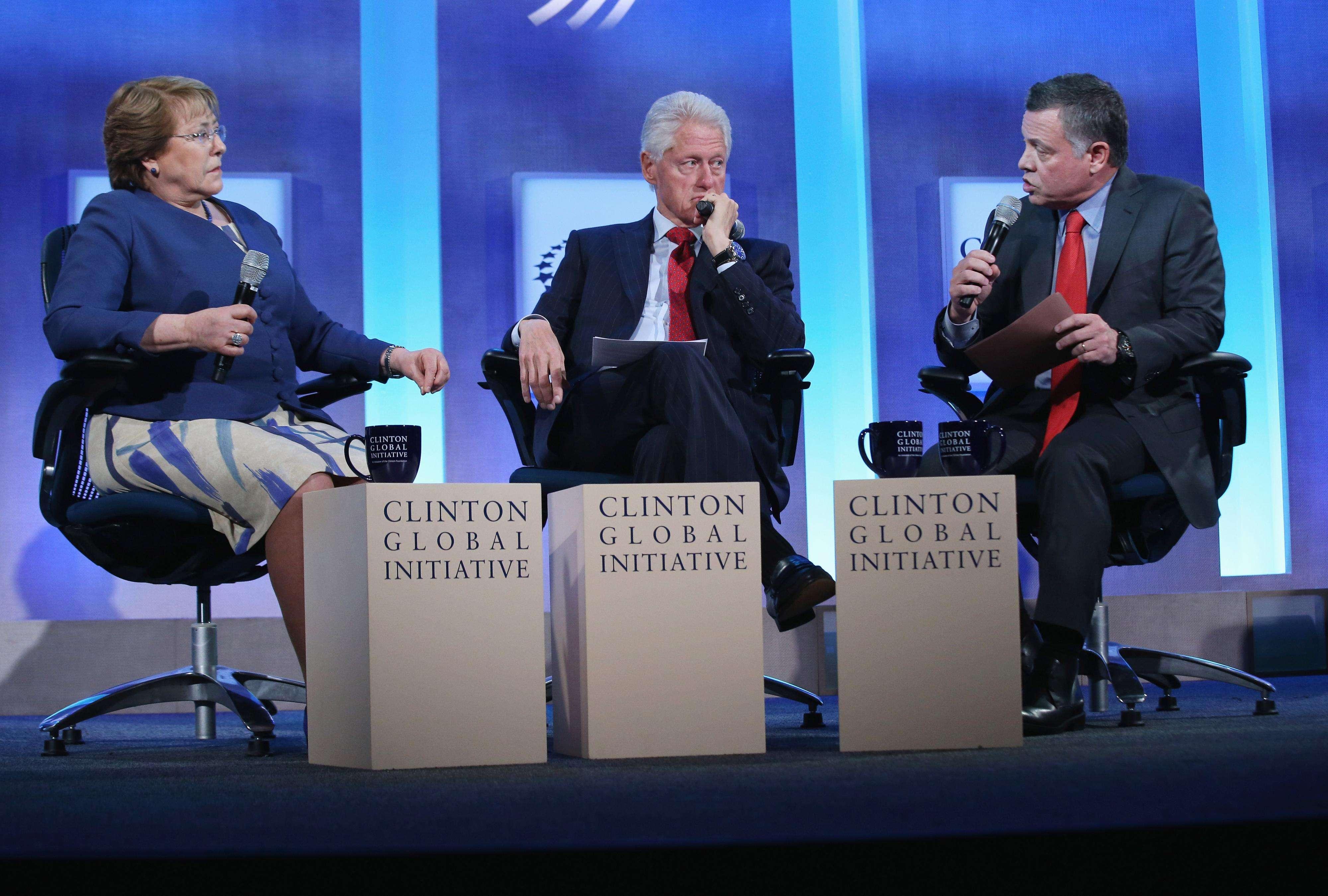 """La presidenta de Chile, Michelle Bachelet, apostó hoy en la sesión plenaria inaugural del encuentro anual de la Clinton Global Initiative por luchar contra la desigualdad desde la educación, """"es la única manera de no perder los talentos de nadie"""". Foto: AFP en español"""