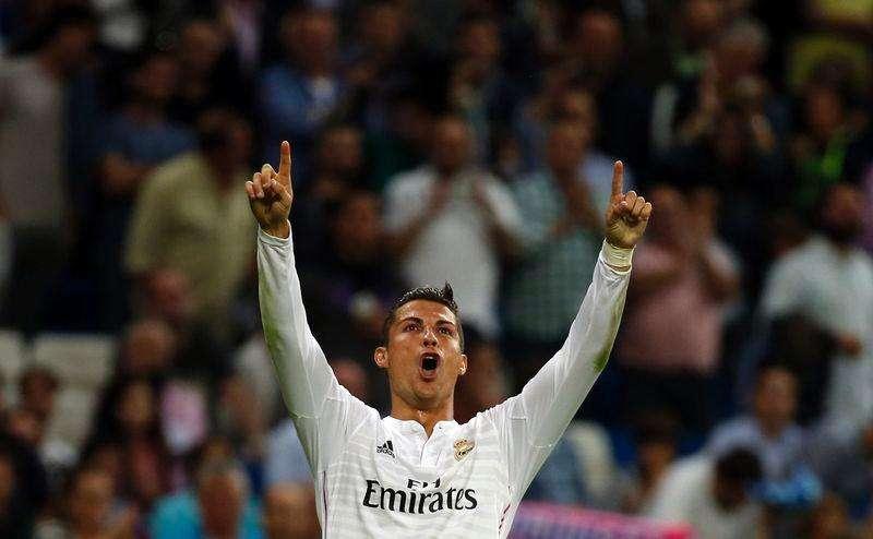 Cristiano Ronaldo comemora gol do Real sobre o Elche. Foto: Sergio Perez/Reuters