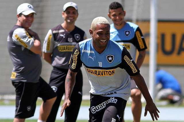 Jobson pode ganhar uma chance no Botafogo Foto: Vitor Silva / SSPress/Divulgação