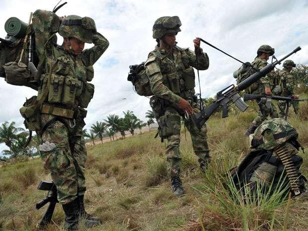 """Nueve defensores de los derechos humanos y dirigentes sindicales colombianos fueron amenazados por la banda criminal Los Rastrojos, que los declaró """"objetivo militar"""" en un panfleto enviado a organizaciones sociales. Foto: AFP en español"""