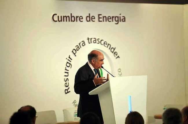 Luis Téllez, presidente de la BMV, dijo que por lo menos 10 fondos de EU, Asia y Latinoamérica han mostrado interés en el sector energético. Foto: Reforma