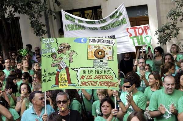 Protestas contra el trilingüismo. Foto: Archivo / EFE