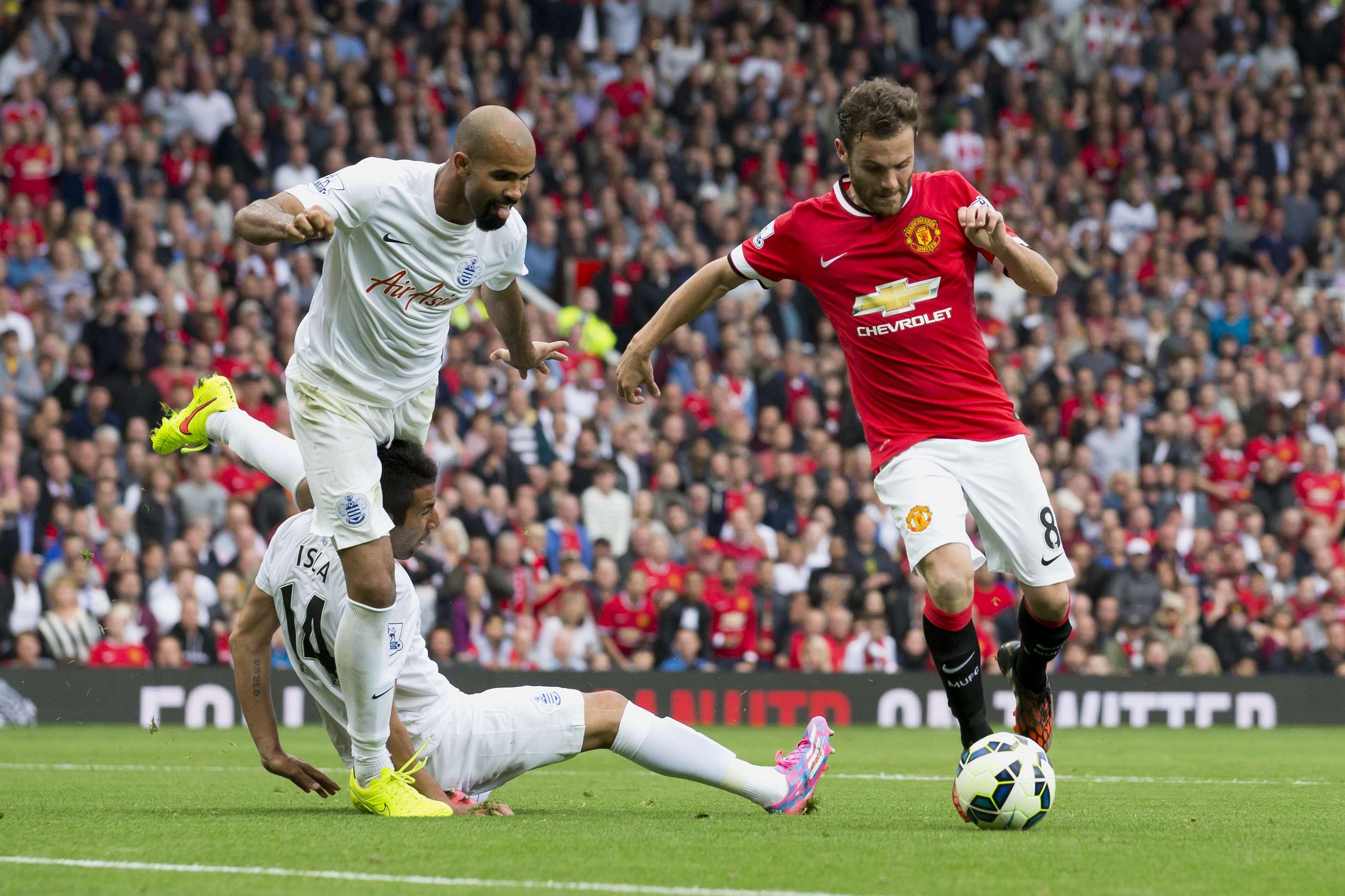 Sandro enfrenta Manchester United pelo Queens Park Rangers; histórico de problemas físicos Foto: Jon Super/AP