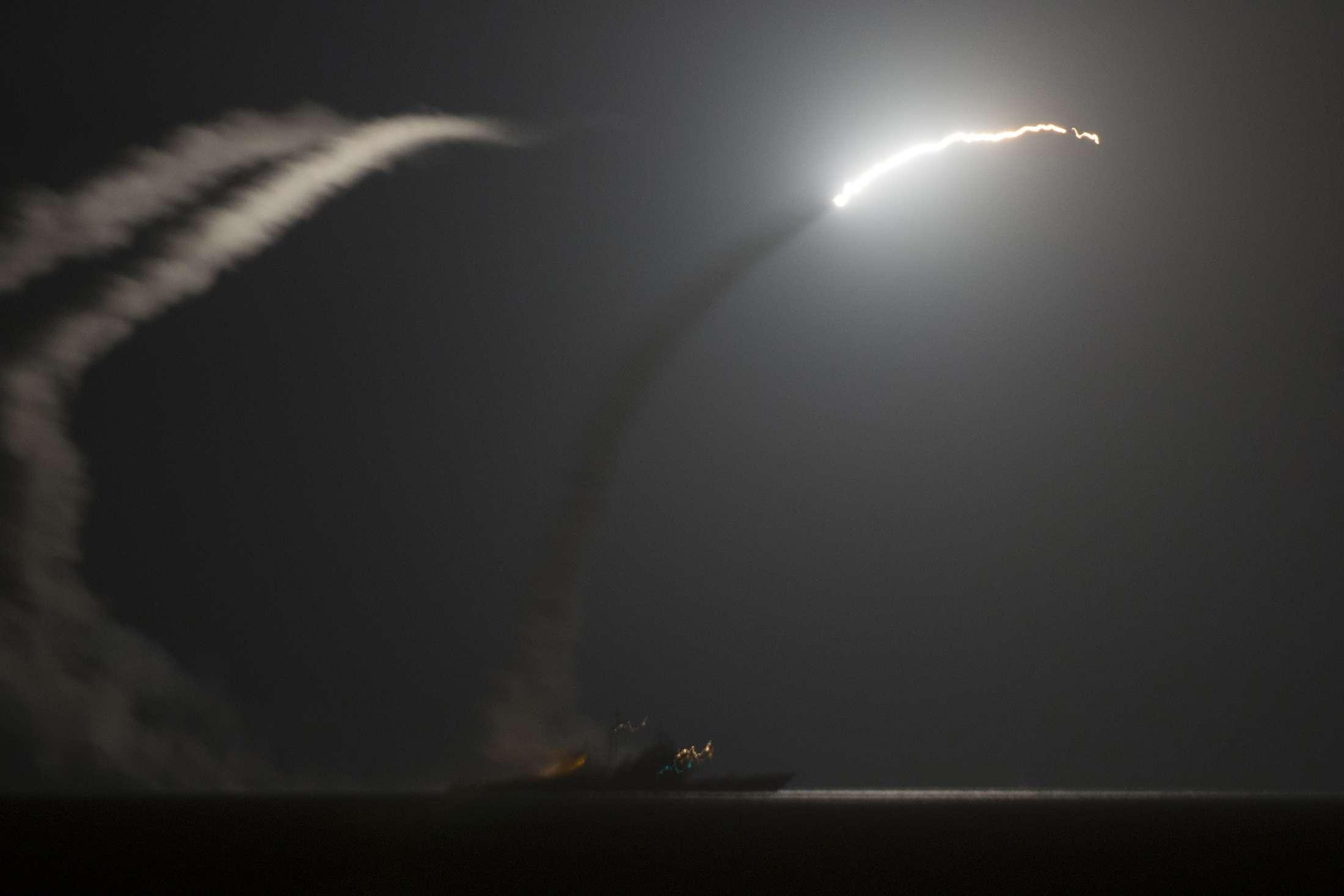 O balanço das mortes inclui 70 combatentes do grupo Estado Islâmico e 50 membros de grupos afiliados à Al-Qaeda Foto: Mass Communication Specialist 1st Class Eric Garst/Reuters