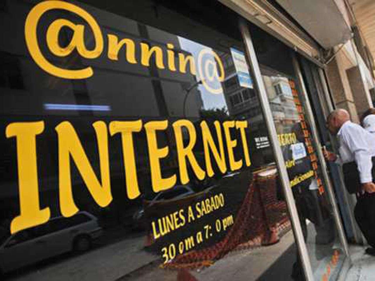Aunque el acceso a internet en Venezuela ha crecido, la velocidad ha bajado. Foto: AFP en español