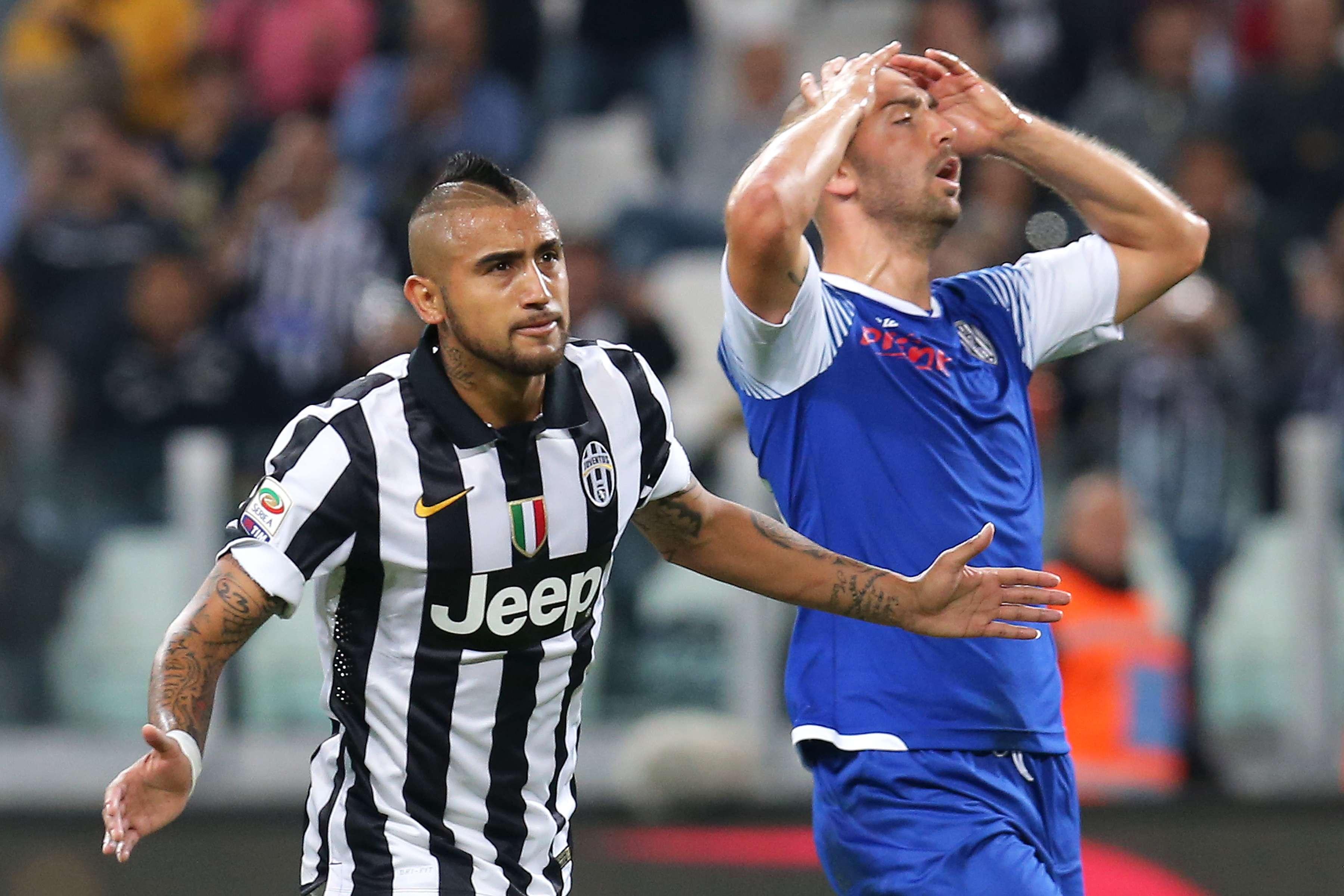 Vidal fue la figura del partido. Foto: AFP