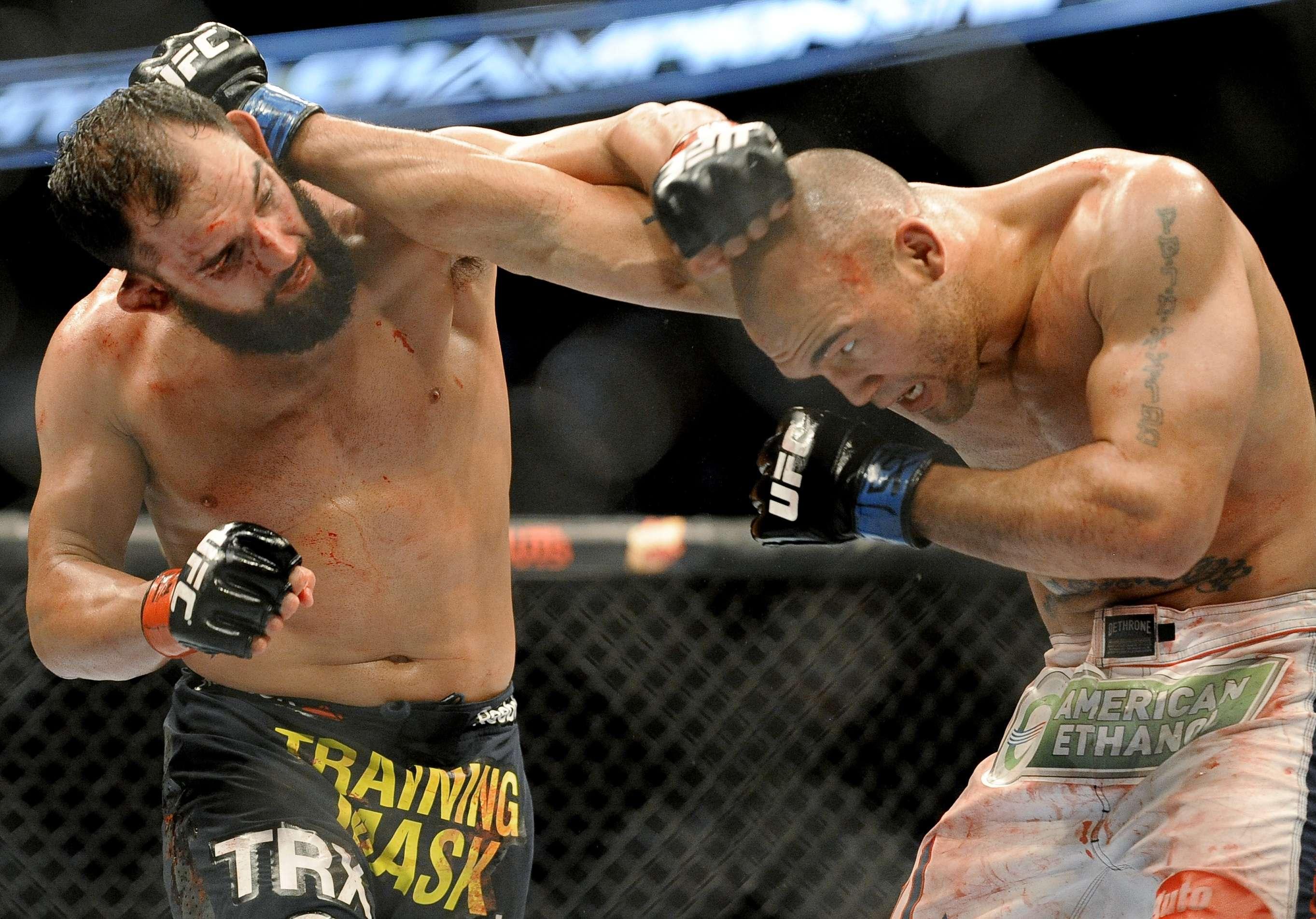 La primera pelea entre Hendricks y Lawler fue muy peleada. Foto: AP