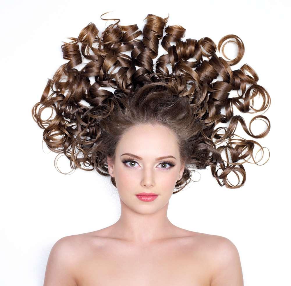 O cabelo crespo e cacheado chama atenção e atrai perguntas e comentários inusitados Foto: Valua Vitaly/Shutterstock