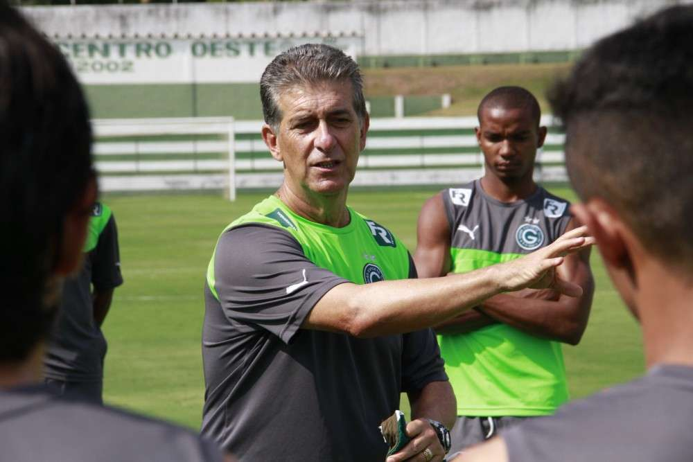 Ricardo Drubscky se recuperou de virose e vai comandar Goiás contra o Botafogo Foto: Rosiron Rodrigues/Goiás EC/Divulgação/Divulgação
