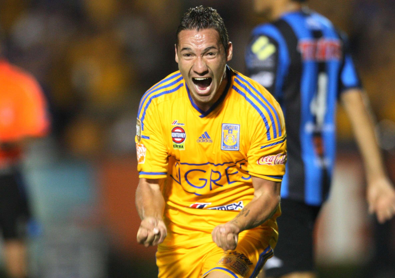 Jesús Dueñas le dio el triunfo a Tigres sobre Gallos Blancos con un golazo. Foto: Imago7