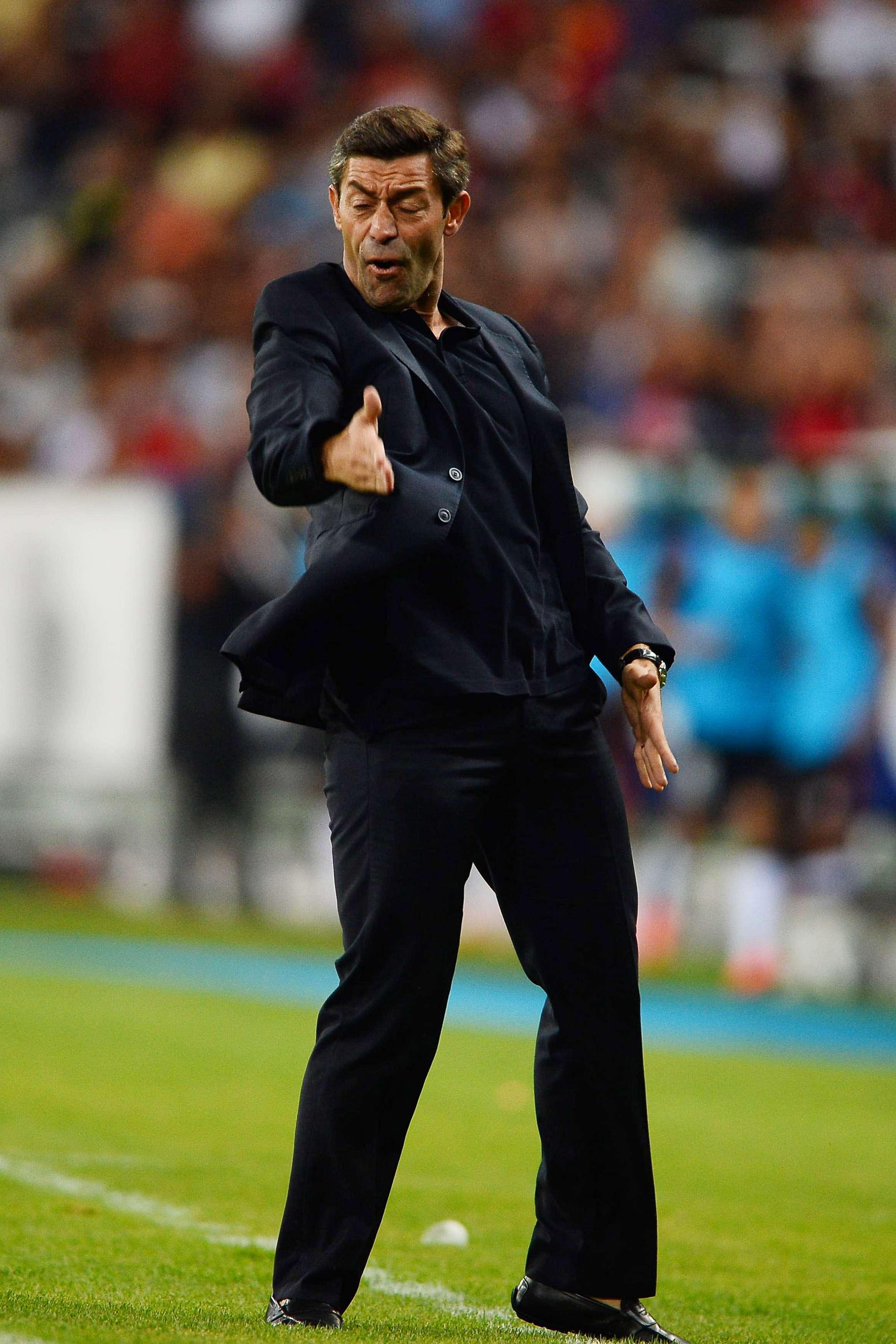 Pedro Caixinha, director técnico de Santos Laguna al hablar del arbitraje beneficiando al América. Foto: Mexsport