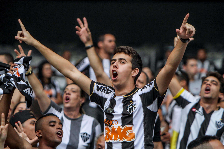 Torcida do Atlético-MG comemora vitória sobre o Cruzeiro Foto: Bruno Cantini/Divulgação