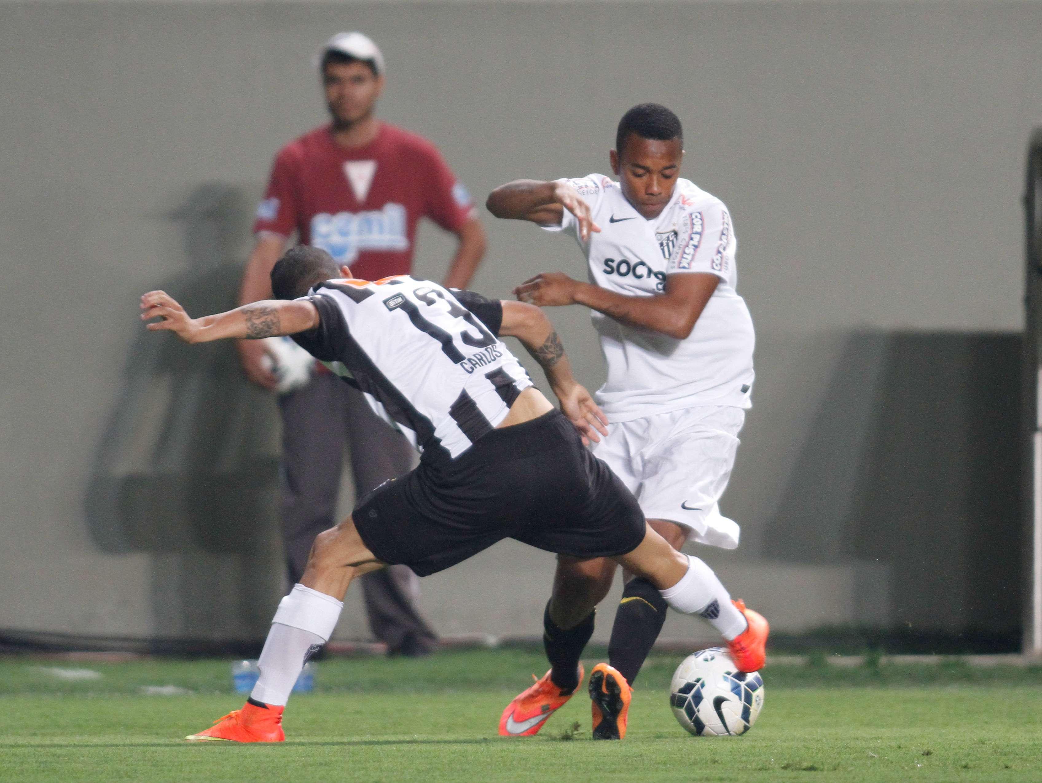 Robinho atuou como titular do Santos em Minas Gerais Foto: Gil Leonardi/Agência Lance