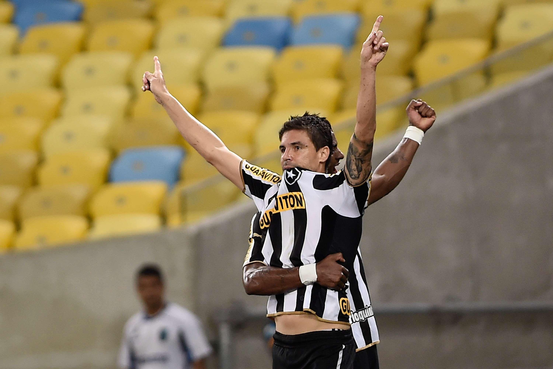 Bolívar marcou gol da vitória botafoguense Foto: Buda Mendes/Getty Images