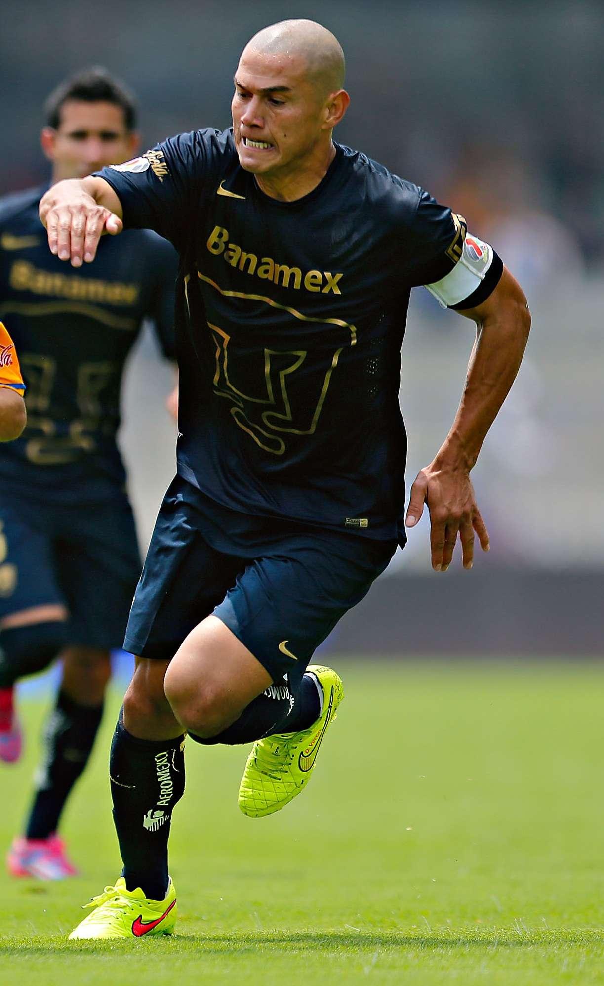 Darío Verón es de los cinco jugadores de Pumas que suman han jugado todos los partidos. Foto: Imago7
