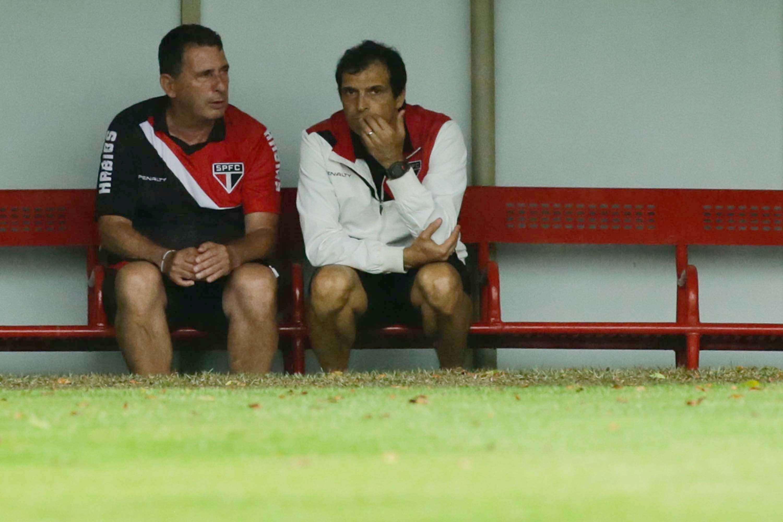 Sem Muricy, Tata e Milton Cruz comandaram treino Foto: Gabriela Biló/Futura Press