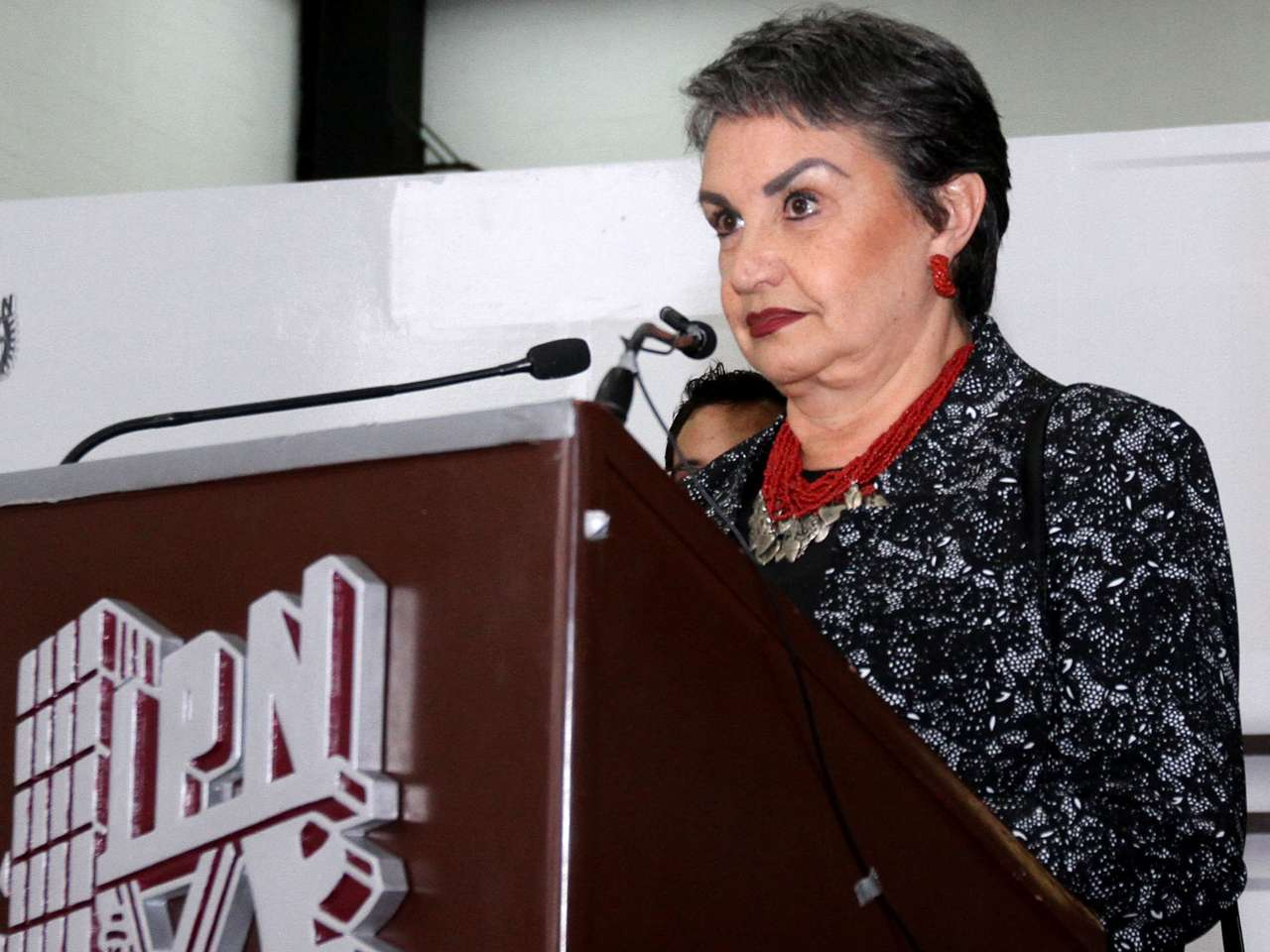El IPN precisa que su directora general, Yoloxóchitl Bustamante Díez, no tiene ninguna cuenta personal en redes sociales como Facebook o Twitter Foto: Notimex /archivo