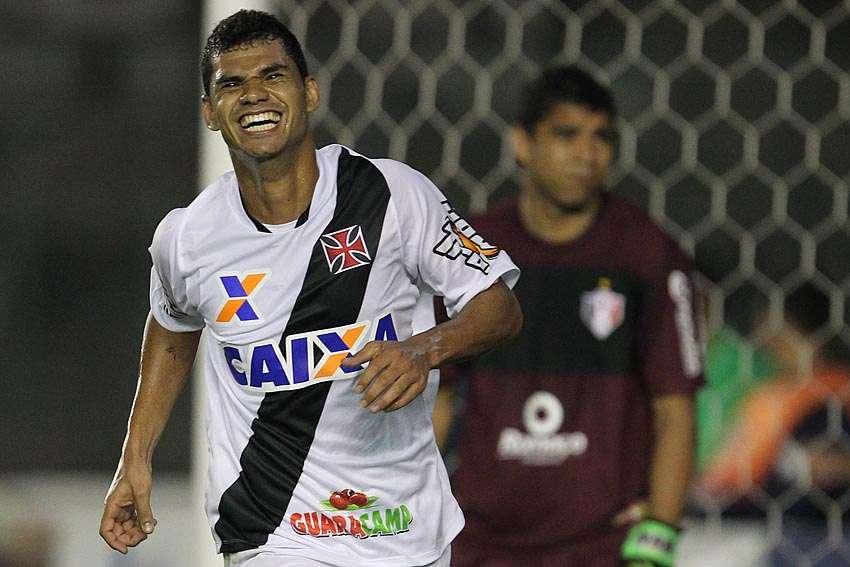 Dakson fez o primeiro gol do Vasco contra o Joinville Foto: Marcelo Sadio/Vasco